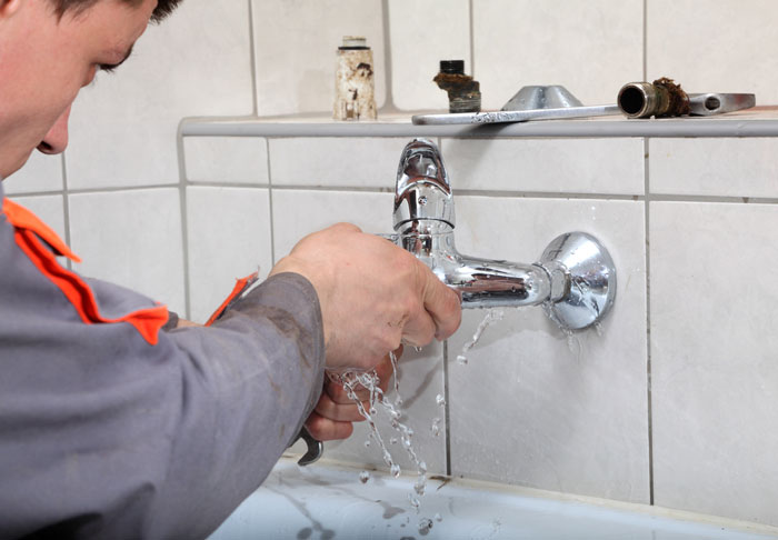 Réparer une fuite d'eau